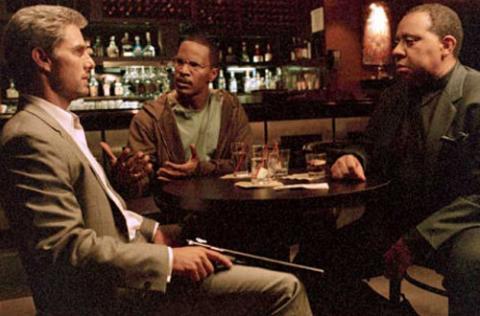 """""""콜래트럴(2004)"""", LA 자체가 주인공인 영화"""