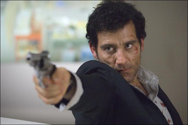 """""""인터내셔널 (2009)"""", 악의 무리에 홀연히 맞서는 초췌한 남자"""