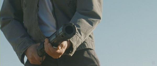 """""""루퍼"""", 마테바 리볼버를 포함한 여러 총기들"""