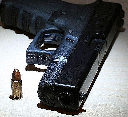 속편의 권총, 글록(Glock)